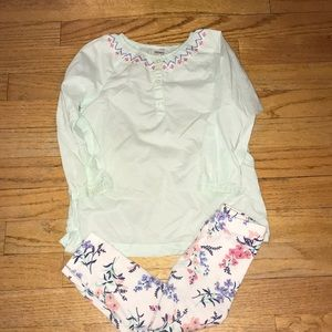 Girls Carter's Long Sleeve and Pants Set. Size 2T